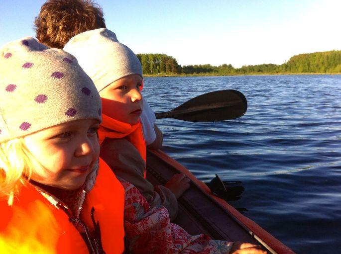 Ute i båt